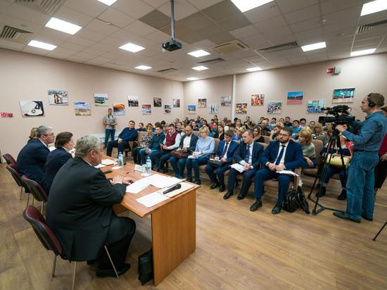 Наталья Комарова провела встречи собманутыми дольщиками округа