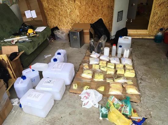 Уфимские полицейские накрыли в Аше подпольную нарколабораторию