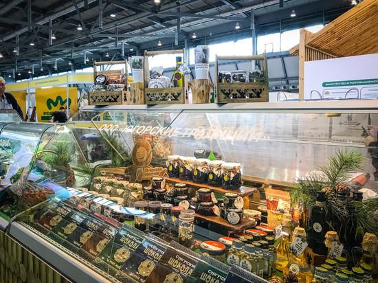 Югорские товары участвуют в межрегиональной агропромышленной выставке