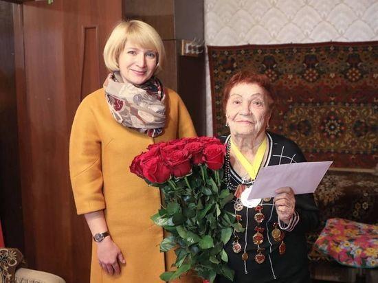 В Серпухове поздравили ветерана Великой Отечественной с 90-летним юбилеем