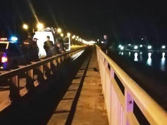 В Новосибирской области МЧСник-альпинист снял самоубийцу с моста