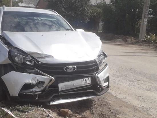 На Дону столкнулись две легковушки: пострадали оба водителя