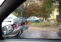 Три столкнувшихся автомобиля перегородили дорогу в Твери