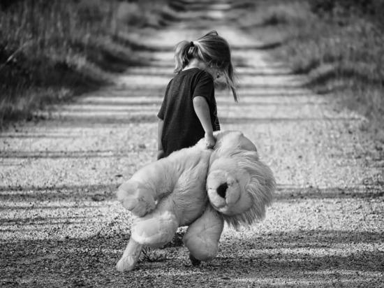 В Кирово-Чепецке мать закрыла 5-летнюю дочь в квартире на двое суток