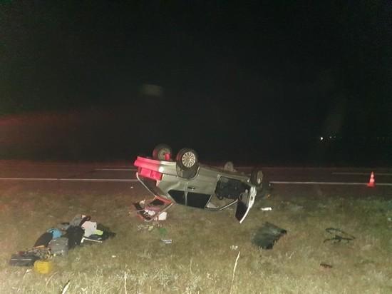 Сегодня ночью на 335 км автотрассы «Енисей» перевернулся автомобиль