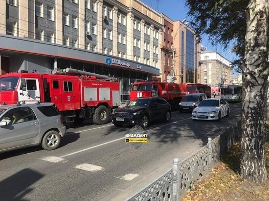 В Новосибирске пожар в здании бывшего клуба «Рок-сити»