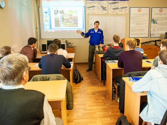 Специалисты «Роcсети Центр Ярэнерго» провели семинар для студентов и преподавателей ДОСААФ