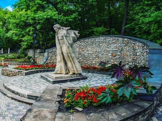 Нижнюю часть Курортного парка отремонтируют в Железноводске