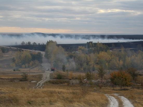 В Акбулакском районе горела степь