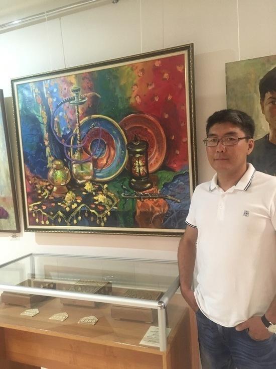 Открылась первая выставка калмыцкого художника