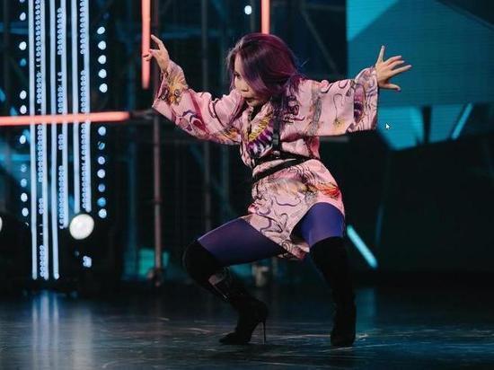 «Я визжала от восторга»: Елена Темникова о девушке из Улан-Удэ на шоу «Танцы»