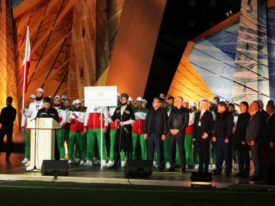 Внуки Ахмата Кадырова зажгли огонь спортивно-культурного фестиваля СКФО