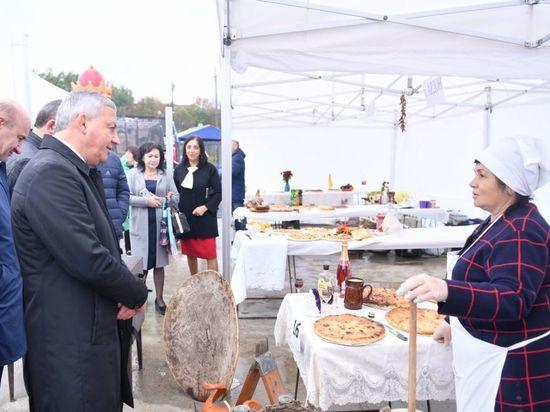 Конкурсы осетинских пирогов и пива провели во Владикавказе на День республики
