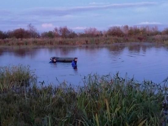 Тело утонувшего мужчины обнаружили спасатели в озере недалеко от Сарапула