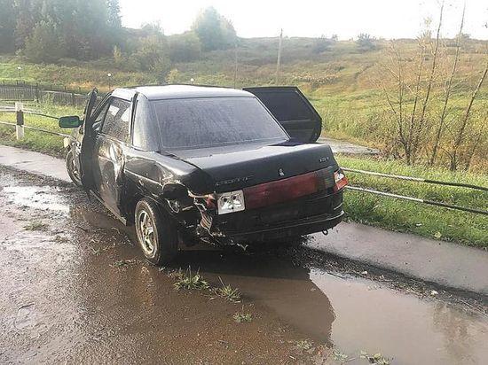 Два жителя Башкирии пострадали в аварии на трассе