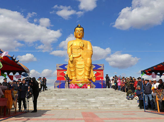 В Калмыкии открыли самую большую в Европе статую Будды