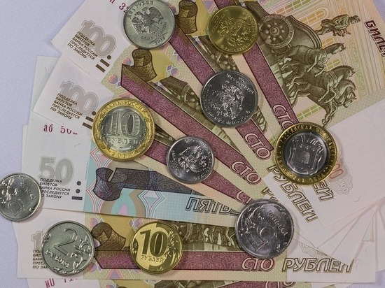 Реальные зарплаты калининградцев продолжают снижаться