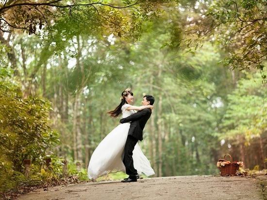 Почему не стоит брать кредит на свадьбу, узнали волгоградцы