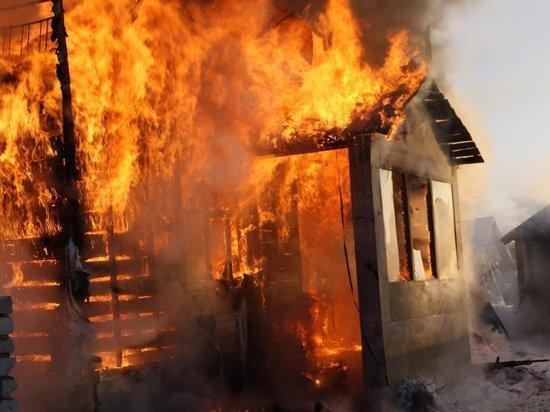 В Хакасии в пожаре погибли двое мужчин