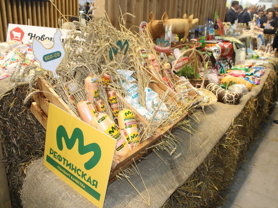 На новый рынок с новой продукцией: птицефабрика «Рефтинская» с успехом выступила на межрегиональной агропромышленной выставке