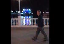 Неформальную прогулку Кондратьева и Абрамовича сняли очевидцы в Геленджике