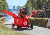 В Алматы прошла гонка Soapbox Race на креативных самоделах