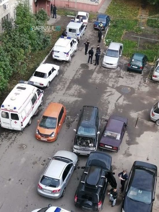 В Барнауле мужчина убил ножом своего 5-летнего сына