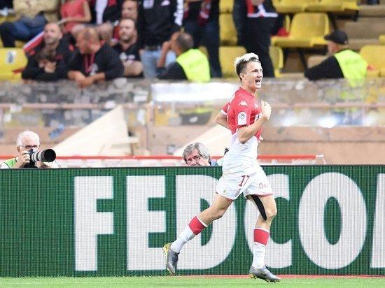 Российский футболист забил два гола, отдал результативную передачу и принес «Монако» первую победу в сезоне.