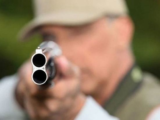 В Иркутске пьяный мужчина стрелял с балкона
