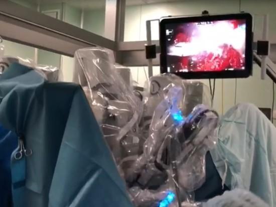 Для хирургов-онкологов Петербурга провели мастер-классы с использованием робота