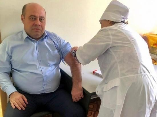 Чиновники Карачаево-Черкесии защитились от эпидемии