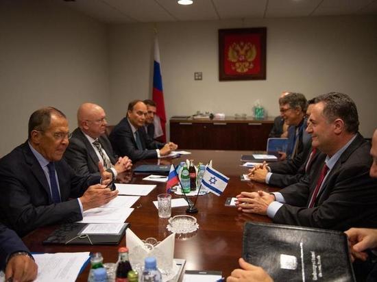 Министры Исраэль Кац и Сергей Лавров обсудили актуальные вопросы израильско-российских отношений