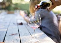 Минсельхоз РФ хочет обязать производителей вина, изготавливающих напитки из местного винограда, указывать эту информацию на этикетках своей продукции