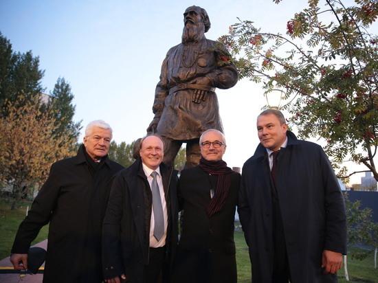 В МГИМО открыли памятник Льву Толстому: «мягкая сила» России