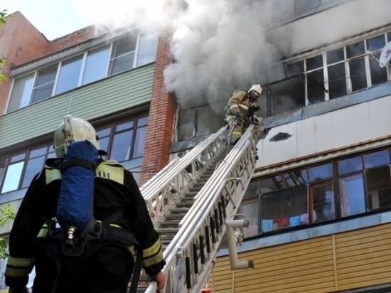 В российском законодательстве новые правила: запрещено курить, жарить шашлыки, зажигать свечи на балконах и лоджиях квартир, в общежитиях и номерах гостиниц