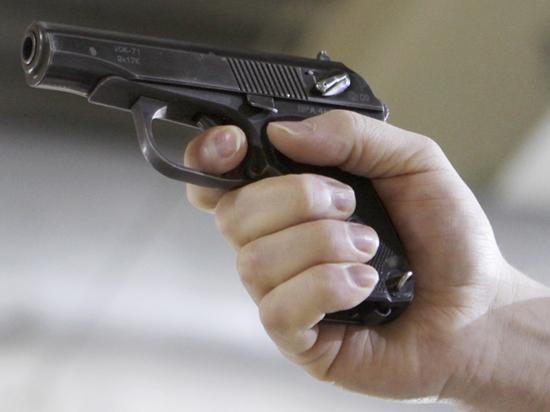Подросток прострелил себе пах во время неудачного селфи