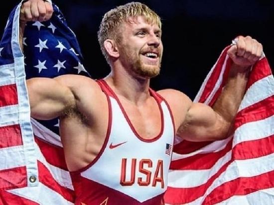 Чемпион мира по борьбе из США вызвал набой Нурмагомедова