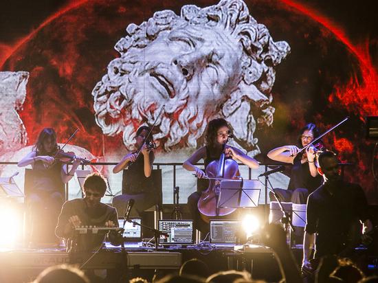 Гитарист Placebo «изменяет» Брайану Молко: все началось с «Войны»