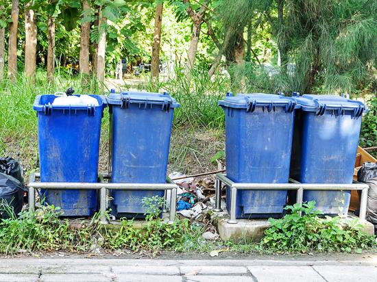 В Новосибирске поймали вора, который крал мусорные контейнеры