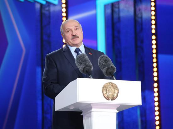 Лукашенко выразил соболезнования в связи со смертью Захарова