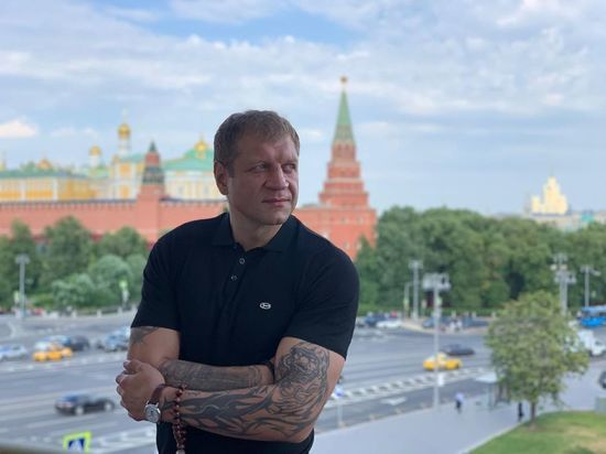 Александр Емельяненко считает своего старшего брата самым великим бойцом России