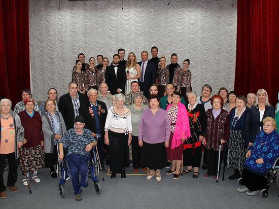 «Единая Россия» поддержала мероприятия ко Дню пожилого человека на Ставрополье