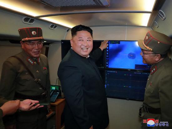 Выпущенный КНДР снаряд достиг эксклюзивной экономической зоны Японии