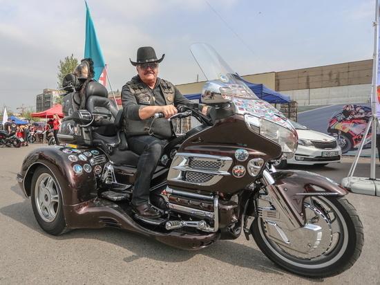 Главный байкер Казахстана о своей шляпе, культуре байкеров и предстоящих дорогах