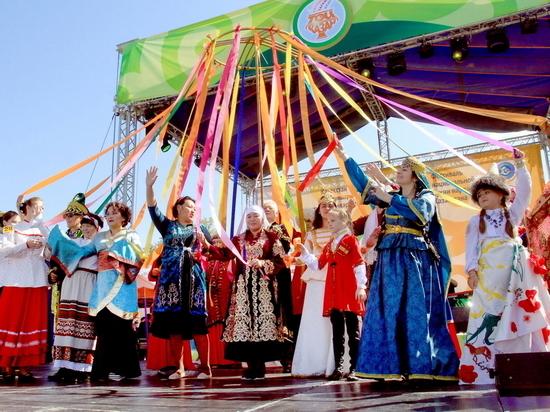 Фестиваль национальной кухни вновь собрал алматинцев за одним дастарханом