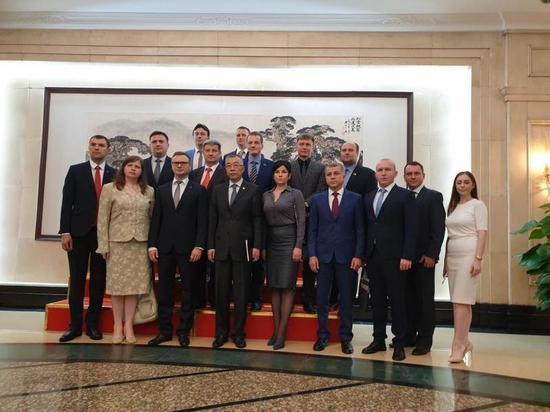 Тульский коммунист возглавил делегацию КПРФ в Китай