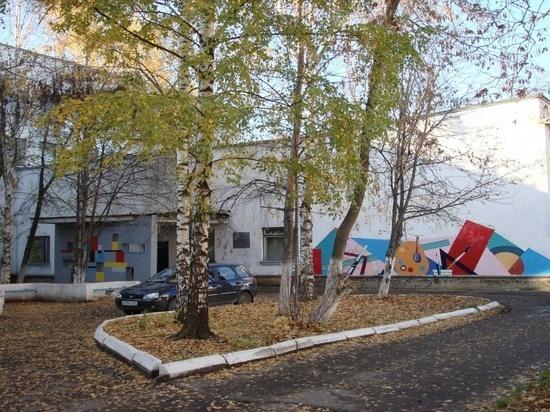В Ивановском художественном училище открылась выставка, посвященная юбилею образовательного учреждения