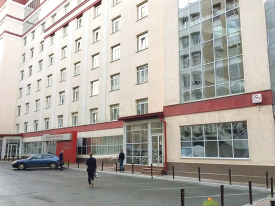 За современное здание клиники НИИТО развернулась  нешуточная борьба