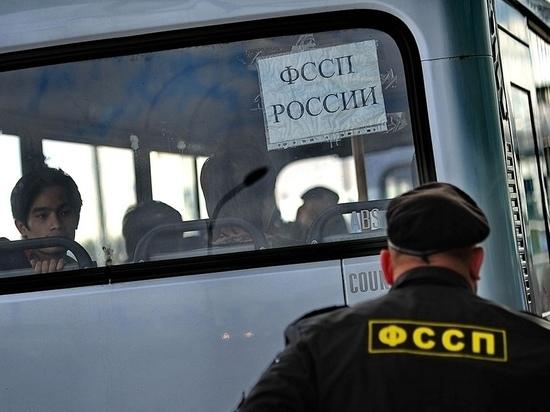 Воронежские приставы выдворили почти 300 мигрантов