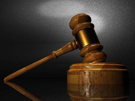 В Ноябрьске будут судить убившего экс-подругу ножкой от табурета мужчину